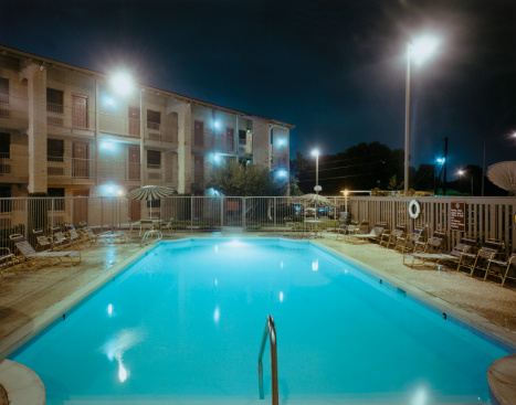 Motel「Motel Pool at Night」:スマホ壁紙(10)