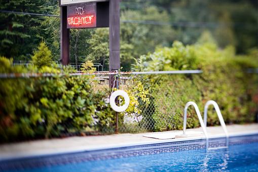 Motel「Motel Pool and Vacancy Sign」:スマホ壁紙(15)