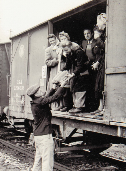 Exclusive「Second World War 1939-1945. Expulsion Of The Sudeten Germans From Czechoslovakia. Removal In A Railroad Car. 1945/46. Photograph.」:写真・画像(17)[壁紙.com]