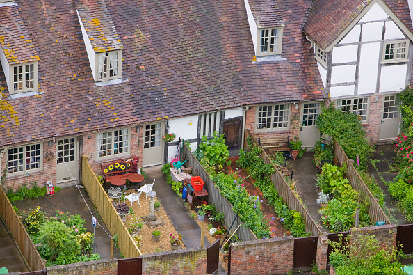 Front or Back Yard「Old houses and back gardens in Tewkesbury  UK」:写真・画像(4)[壁紙.com]