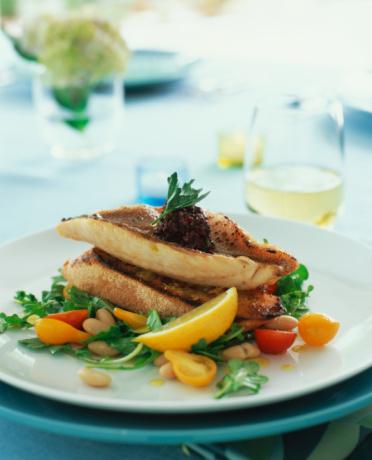 Arugula「Red snapper fillets on garlic toasts with arugula white bean salad」:スマホ壁紙(14)