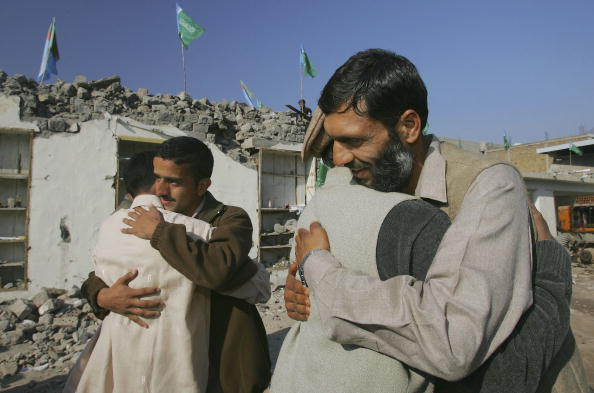Clear Sky「Earthquake Victims Celebrate Eid-Ul-Fitr」:写真・画像(18)[壁紙.com]
