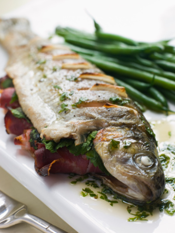 Tarragon「Whole River Trout with Jamon and Herb Butter」:スマホ壁紙(12)