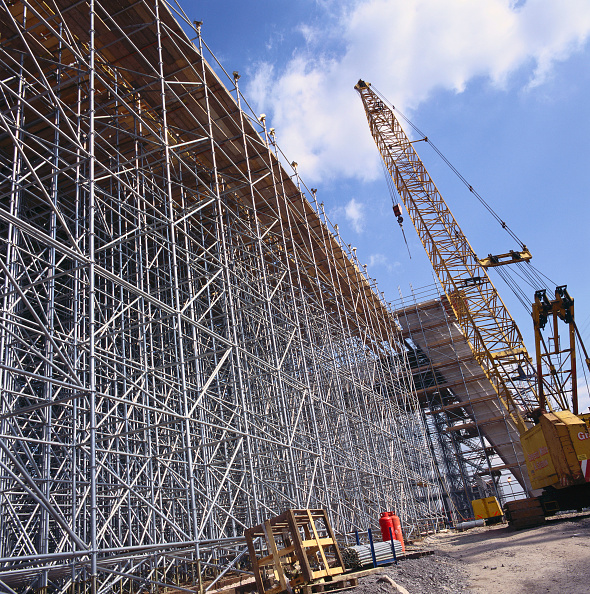 Scaffolding「Scaffold on viaduct construction site」:写真・画像(3)[壁紙.com]