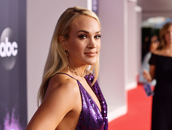 Carrie Underwood「2019 American Music Awards - Red Carpet」:写真・画像(2)[壁紙.com]