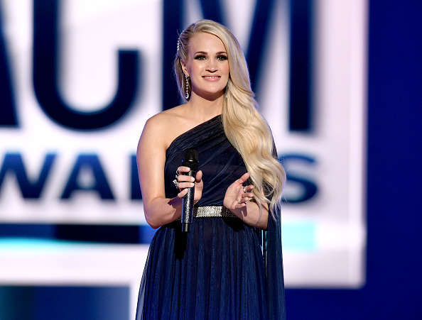 Carrie Underwood「54th Academy Of Country Music Awards - Show」:写真・画像(8)[壁紙.com]