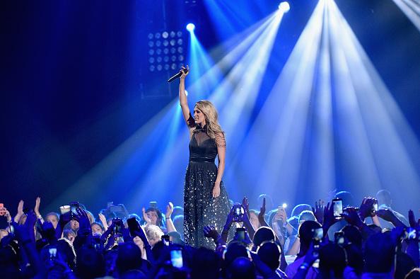 Larry Busacca「2015 CMT Music Awards - Show」:写真・画像(19)[壁紙.com]