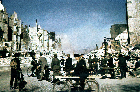 Hamburg - Germany「Hamburg Bombing 1945」:写真・画像(11)[壁紙.com]