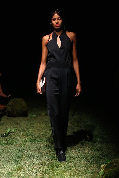 Black Jumpsuit「Tuba Ergin - Presentation - Mercedes-Benz Fashion Week Istanbul - October 2016」:写真・画像(4)[壁紙.com]