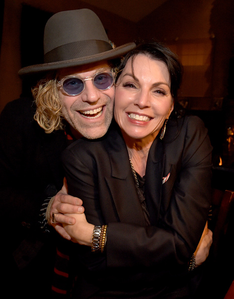 T 「The Living Room Sessions To Benefit The T.J. Martell Foundation」:写真・画像(19)[壁紙.com]