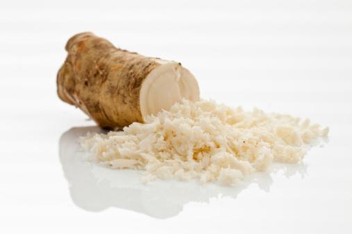 Radish「Horseradish on white background, close up」:スマホ壁紙(4)