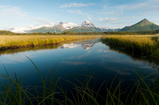 Katmai National Park「Alaska landscape with mountains reflected in the tranquil water, Katmai National Park」:スマホ壁紙(14)
