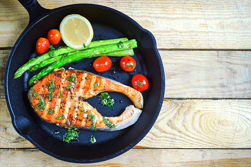 Grilled「Grilled salmon with tomatoes and asparagus」:スマホ壁紙(14)