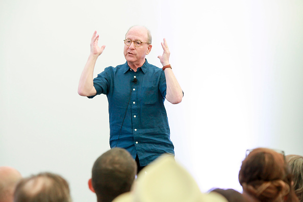 ピューリッツァー賞「Jerry Saltz, Pulitzer Prize-Winning New York Magazine Senior Art Critic, Gives A Talk At The 2018 Frieze Art Fair」:写真・画像(19)[壁紙.com]