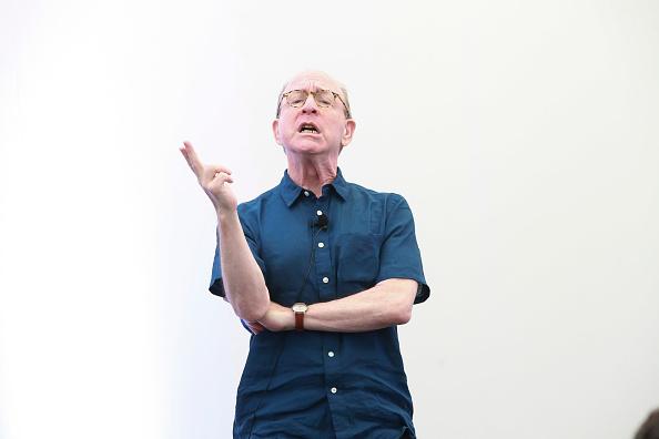 ピューリッツァー賞「Jerry Saltz, Pulitzer Prize-Winning New York Magazine Senior Art Critic, Gives A Talk At The 2018 Frieze Art Fair」:写真・画像(7)[壁紙.com]