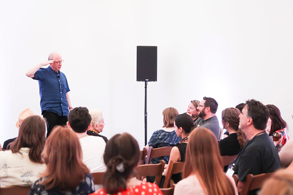 ピューリッツァー賞「Jerry Saltz, Pulitzer Prize-Winning New York Magazine Senior Art Critic, Gives A Talk At The 2018 Frieze Art Fair」:写真・画像(12)[壁紙.com]