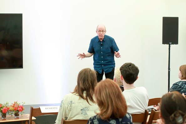 ピューリッツァー賞「Jerry Saltz, Pulitzer Prize-Winning New York Magazine Senior Art Critic, Gives A Talk At The 2018 Frieze Art Fair」:写真・画像(1)[壁紙.com]
