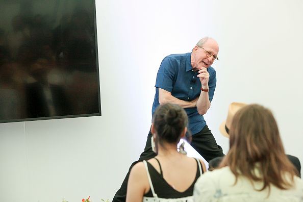 ピューリッツァー賞「Jerry Saltz, Pulitzer Prize-Winning New York Magazine Senior Art Critic, Gives A Talk At The 2018 Frieze Art Fair」:写真・画像(2)[壁紙.com]