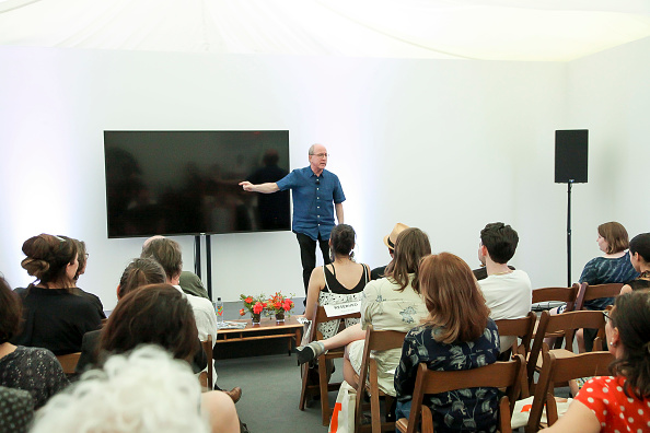 ピューリッツァー賞「Jerry Saltz, Pulitzer Prize-Winning New York Magazine Senior Art Critic, Gives A Talk At The 2018 Frieze Art Fair」:写真・画像(9)[壁紙.com]