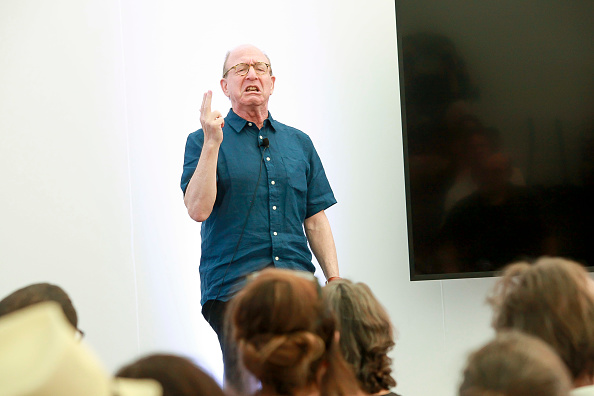 ピューリッツァー賞「Jerry Saltz, Pulitzer Prize-Winning New York Magazine Senior Art Critic, Gives A Talk At The 2018 Frieze Art Fair」:写真・画像(17)[壁紙.com]