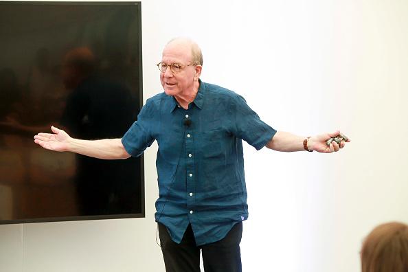 ピューリッツァー賞「Jerry Saltz, Pulitzer Prize-Winning New York Magazine Senior Art Critic, Gives A Talk At The 2018 Frieze Art Fair」:写真・画像(1)[壁紙.com]