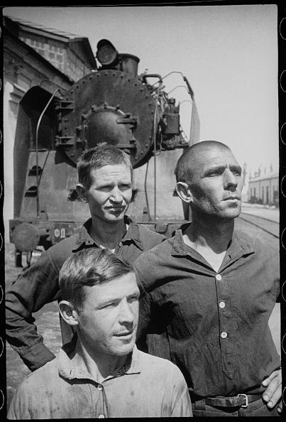 Max Penson「Three Workers」:写真・画像(19)[壁紙.com]