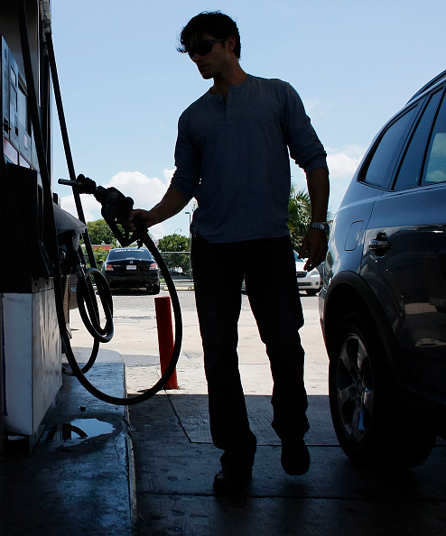 Hurricane Ike「Average Gas Prices Rise 17 Cents In Wake Of Hurricane Ike」:写真・画像(11)[壁紙.com]