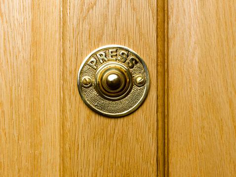 Push Button「Doorbell with 'press' sign, close-up」:スマホ壁紙(12)
