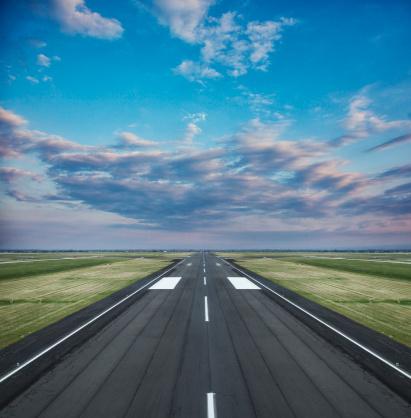 Airport Runway「Runway landing strip」:スマホ壁紙(13)