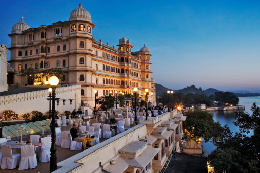 Rajasthan「Fateh Prakash Palace, built along the shores of Lake Pichola. This Grand Heritage Hotel was named after Maharana Fateh Singh, a great leader of the Merwar dynasty. Udaipur, India.」:スマホ壁紙(10)