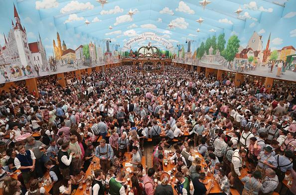 Oktoberfest「Oktoberfest 2018: Opening Day」:写真・画像(9)[壁紙.com]