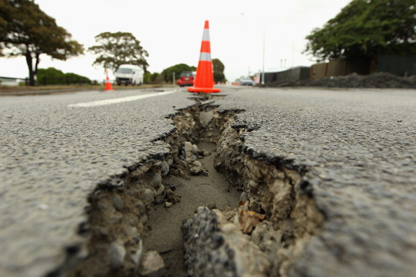 Cracked「Grave Fears For Christchurch Earthquake Missing」:写真・画像(1)[壁紙.com]