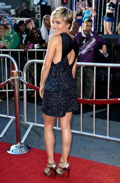 "Looking Over Shoulder「Premiere Of Universal Pictures' ""Fast & Furious 6"" - Arrivals」:写真・画像(7)[壁紙.com]"