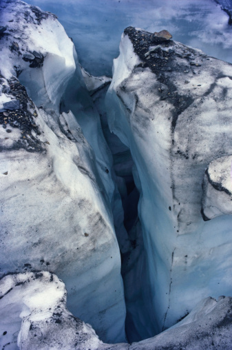 Grinnell Glacier「Crevice in ice at Grinnell Glacier」:スマホ壁紙(9)