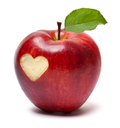 リンゴ「レッドアップル、ハート記号」:スマホ壁紙(19)