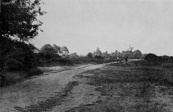 Copy Space「'Wimbledon Common and the Windmill', c1900, (1912)」:写真・画像(19)[壁紙.com]