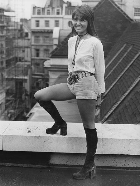 One Young Woman Only「Verna Harvey」:写真・画像(11)[壁紙.com]