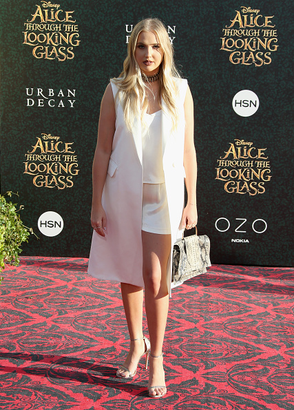 """Silver Shoe「Premiere Of Disney's """"Alice Through The Looking Glass"""" - Arrivals」:写真・画像(17)[壁紙.com]"""