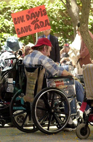 Ada「Disabled Protest Against California''s Challenge To Americans With Disabilities Act」:写真・画像(9)[壁紙.com]