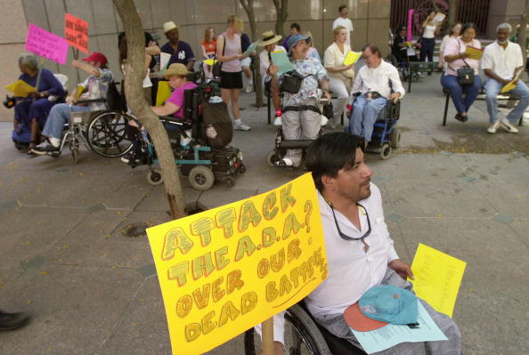 Disability「Disabled Protest Against California''s Challenge To Americans With Disabilities Act」:写真・画像(11)[壁紙.com]