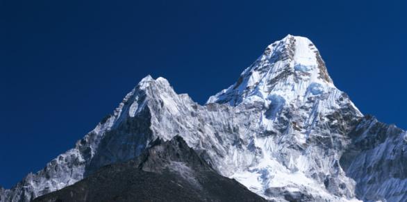Ama Dablam「Detail of snow-covered peaks of Ama Dablam. Ama Dablam, Everest National Park, Sagarmatha National Park, Nepal」:スマホ壁紙(3)