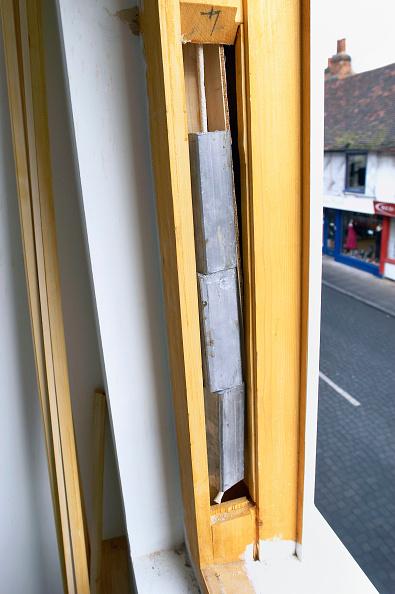 Window Frame「Detail of sash window weights」:写真・画像(16)[壁紙.com]