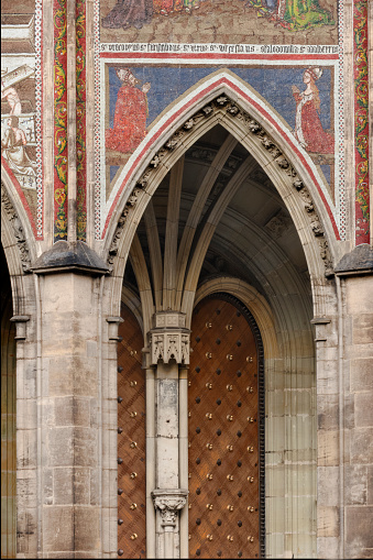 St Vitus's Cathedral「Detail of St Vitus Cathedral exterior」:スマホ壁紙(10)
