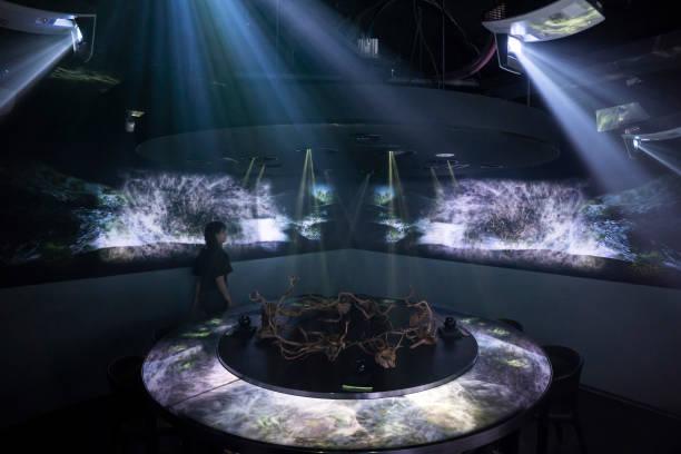 Dining Inside Tokyo's Virtual Reality Restaurant:ニュース(壁紙.com)