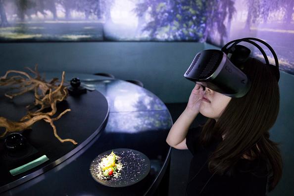 Japan「Dining Inside Tokyo's Virtual Reality Restaurant」:写真・画像(4)[壁紙.com]