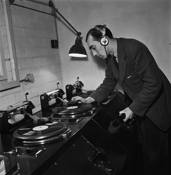 Variation「Radio Babeltown」:写真・画像(7)[壁紙.com]