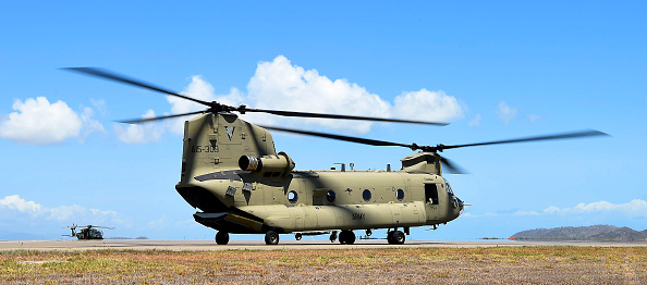 CH-47 Chinook「Chinook Helicopters Deploy To Assist In Firefighting Operations As Bushfires Continue To Burn Across Australia」:写真・画像(4)[壁紙.com]