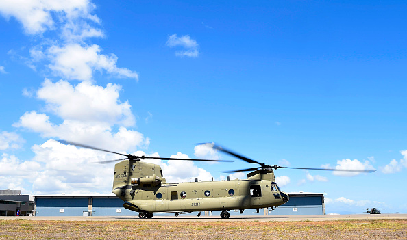 CH-47 Chinook「Chinook Helicopters Deploy To Assist In Firefighting Operations As Bushfires Continue To Burn Across Australia」:写真・画像(0)[壁紙.com]
