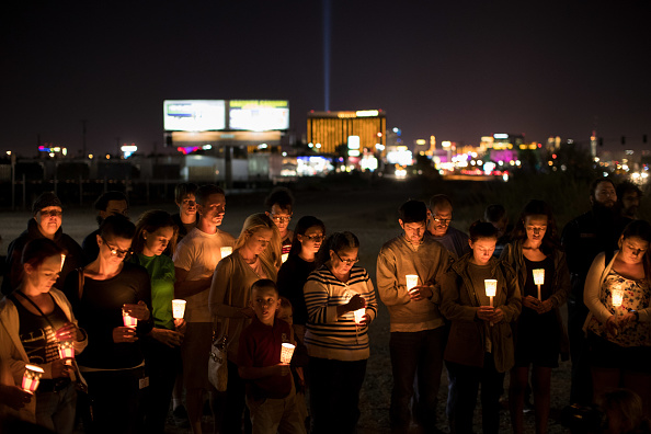 ラスベガス「Las Vegas Mourns After Largest Mass Shooting In U.S. History」:写真・画像(17)[壁紙.com]