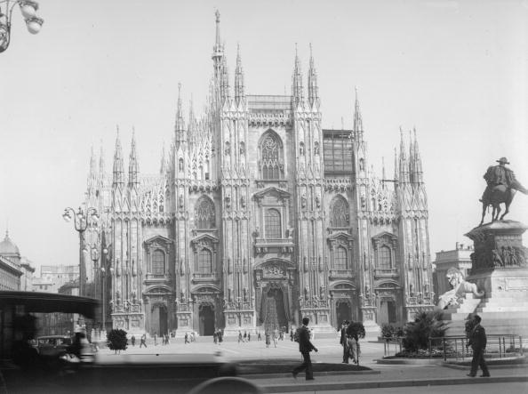 モノクロ「Piazza Del Duomo」:写真・画像(17)[壁紙.com]